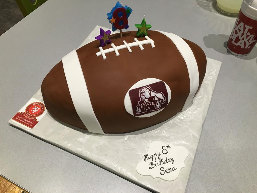 2D FOOTBALL CAKE